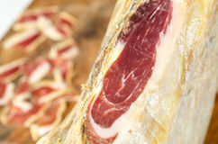 Jambe ibérienne traitée de jambon, jambon de bellota Nourriture espagnole gastronome Photos stock