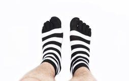Jambes dans la mode et les chaussettes modernes photographie stock
