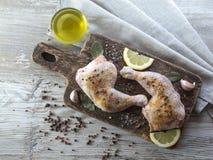 Jambes de poulet en marinade Photographie stock