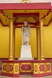 Jambi, Indonesië - Oktober 7, 2018: Een hulpbeeldhouwwerk die goden/deity in Boeddhisme afschilderen royalty-vrije stock foto
