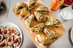 Jambon de dinde et sandwich frais à avocat Images libres de droits