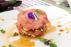 Jambon de porc avec la salade de fruits Images libres de droits