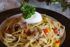 Jambon et eeg de spaghetti Photo stock