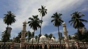 Jamek moské som lokaliseras på Kuala Lumpur i Malaysia stock video