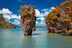 James Bond Island in de Baai van Phang Nga, Thailand Stock Afbeeldingen