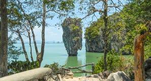 James Bond Island i den Phang Nga fjärden, Thailand arkivbilder