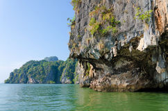 James Bond Island i Phang Nga, Thailand Royaltyfria Bilder