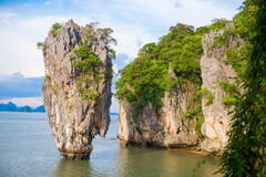 James bond island landmark of Phang-nga bay :: Thailand Stock Photos