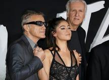 James Cameron, Rosa Salazar en Christoph Waltz stock foto's