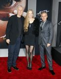 James Cameron, Suzy Amis Cameron et Christoph Waltz image libre de droits