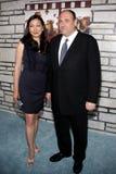 James Gandolfini en Deborah Lin Stock Foto's