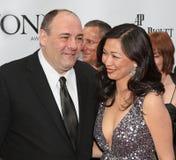 James Gandolfini och Deborah Lin Arkivbilder