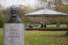 James Joyce byst i gräsplan för St Stephen ` s Royaltyfri Foto