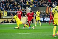 James Milner-spelen bij de Europa gelijke van de Ligahalve finale tussen Villarreal CF en Liverpool FC Royalty-vrije Stock Afbeelding