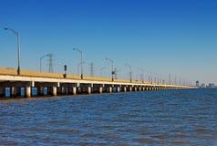 James River överbryggar arkivbilder