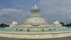 James Scott Memorial Fountain grundar i Belle Isle Park i Detroit arkivfilmer