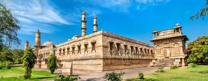 Jami Masjid en viktig turist- dragning på arkeologiska Champaner-Pavagadh parkerar - Gujarat, Indien Arkivfoto