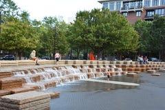 Jamison Square i Portland, Oregon royaltyfria bilder