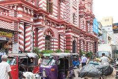 Jamiulen Alfar Masjid eller gemensamt bekant som den röda moskén i Pettah - Colombo arkivfoton
