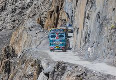 Jammu, Kaschmir und Ladakh - zwischen hohen Spitzen und gefährlichen Straßen stockfoto