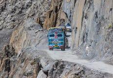Jammu, le Cachemire et Ladakh - entre les crêtes élevées et les routes dangereuses photo stock