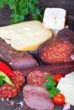 Jamón, salami, salchichas y queso Fotografía de archivo