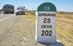 Jamnagar-Richtungs-Meilenstein Zustand Hig stockfotos