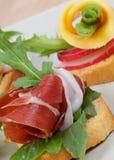 Jamon e aperitivos do queijo imagens de stock
