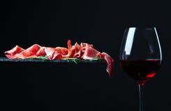 Jamon i czerwone wino Zdjęcie Royalty Free
