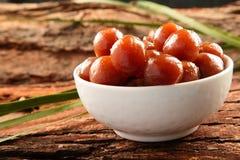 Jamun dulce del gulab de la comida del vegano de Diwali del indio en el cuenco blanco Fotografía de archivo
