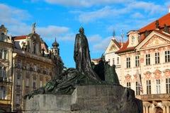 Jan Hus Memorial im alten Marktplatz Stockbild