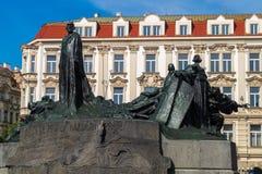 Jan Hus Memorial na praça da cidade velha em Praga Imagem de Stock