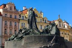 Jan Hus Memorial Statue i Prague arkivfoto