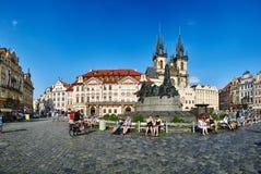 Jan Hus Monument sul quadrato di Città Vecchia dello stà del› del mÄ del ¡ del nà dello stské del› di StaromÄ Fotografia Stock Libera da Diritti