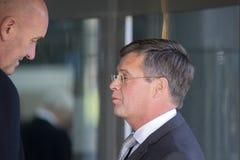 Jan Peter Balkenende Checked By Bodyguard à la cérémonie commémorative chez le Concertgebouw à Amsterdam 27-10-2018 les Pays-Bas  photo stock