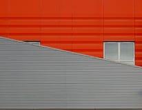 Janela cinzenta em uma construção industrial Imagens de Stock