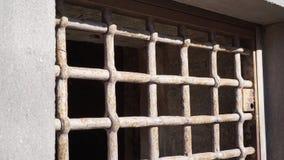 Janela com oxidado imagem de stock royalty free