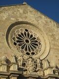 janela cor-de-rosa da catedral de pedra do otranto Foto de Stock