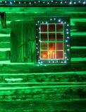 Janela de cabana rústica de madeira Imagem de Stock