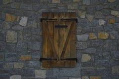 A janela de madeira fotos de stock royalty free