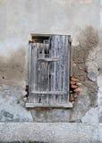 Janela de madeira muito velha Foto de Stock