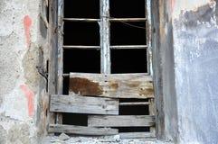 Janela de madeira quebrada velha Foto de Stock Royalty Free