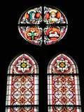 Janela de vidro colorido velha da igreja, Lituânia Fotos de Stock