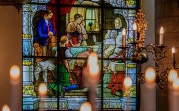 Janela de vitral e interior da igreja alemão em Stockh Imagens de Stock