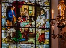 Janela de vitral e interior da igreja alemão em Stockh Fotos de Stock Royalty Free