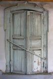 Janela do vintage com obturadores fechados Foto de Stock