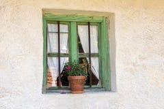 Janela do vintage de uma casa velha Imagem de Stock