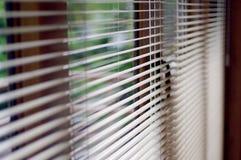 Janela e cortinas abstratas do lugar de trabalho Fotografia de Stock
