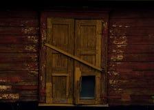 janela fechado de madeira gasto velha Imagens de Stock Royalty Free