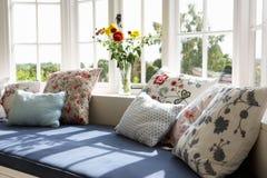Janela Seat na casa moderna Fotografia de Stock Royalty Free